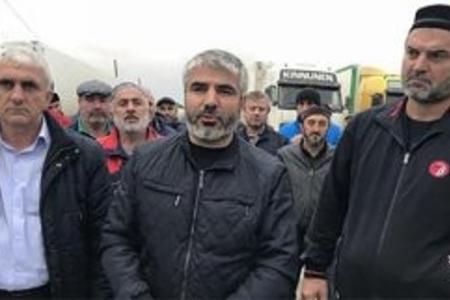 Dağıstan-Azərbaycan sərhədində etiraz aksiyası: gömrük əməkdaşı azərbaycanlı TIR şoferini söyür ( VİDEO)