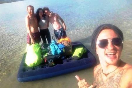 Avstraliyada turistlər kimsəsiz adada qalıblar