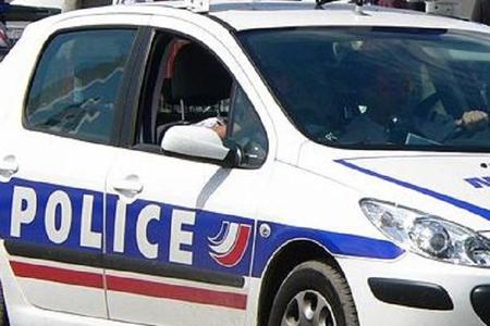 Fransada polis 3 nəfəri qətlə yetirib