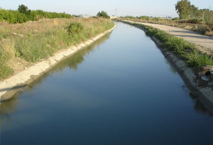 Sabirabadda maşın su kanalına düşüb, bir nəfər ölüb