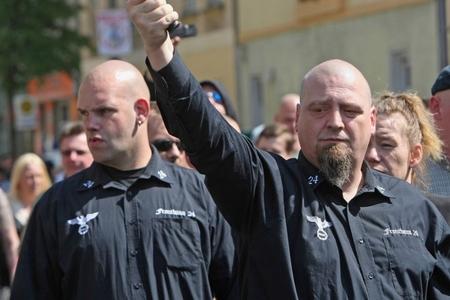 Şərqi Almaniyada sağ radikalizm baş qaldırıb