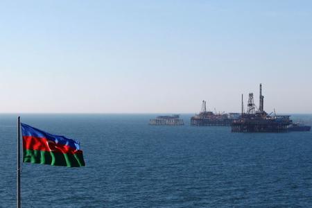 Azərbaycanda beş ayda neft sektoruna 2,4 mlrd. dollar vəsait yönəldilib