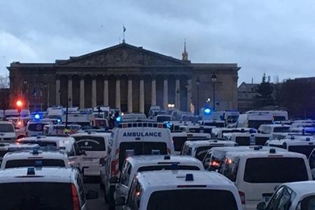 Fransada təcili yardım sürücülərinin nümayişi başlayıb