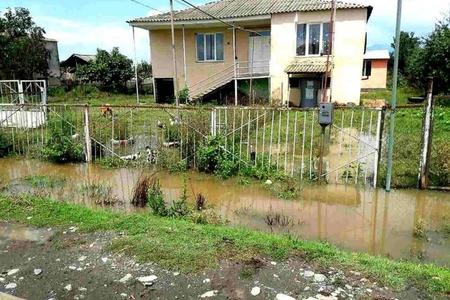 Gürcüstanda güclü yağış fəsadlar yaradıb - Foto