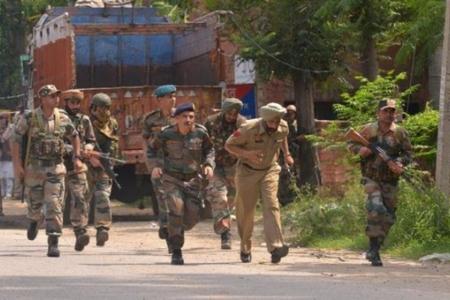 Silahlıların hücumu nəticəsində 6 polis əməkdaşı öldürülüb