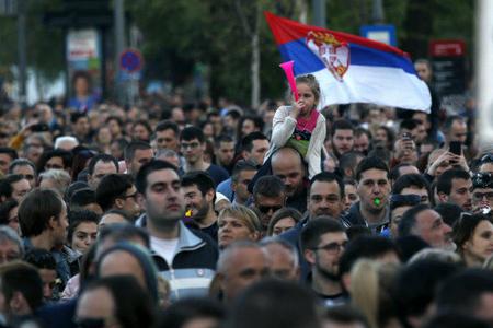 Etirazçılar Serbiya haklimiyyətinə 6 gün vaxt verdi