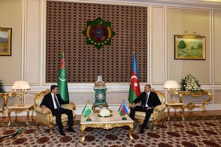 Azərbaycan və Türkmənistan prezidentlərinin təkbətək görüşü olub - FOTO