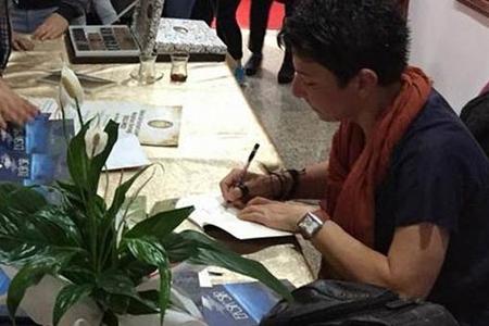 Türkiyəli yazar intihar etdi