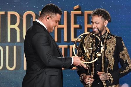 Neymar mövsümün ən yaxşı futbolçusu seçildi
