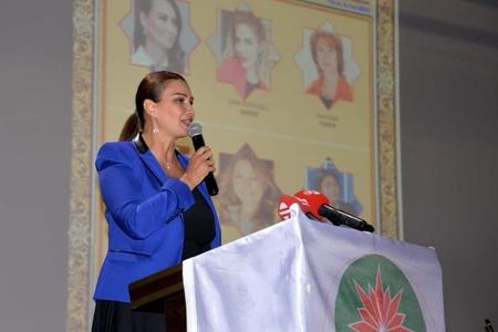 Qənirə Paşayeva İstanbulda Türk dünyası qadınlarına çağırış edib