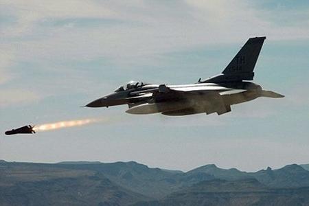 """İsrail ordusu """"HƏMAS""""ın mövqelərini bombalayıb"""