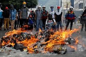 Venesuela: müxalifət küçələrdə barrikadalar qurur