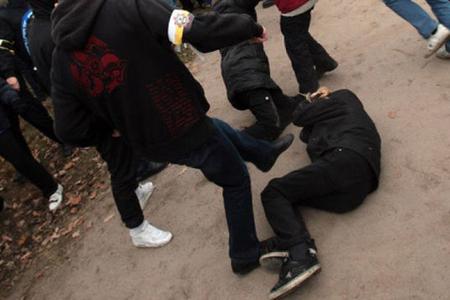 Bakıda kütləvi dava: bir nəfər bıçaqlandı