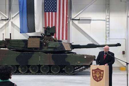 ABŞ-ın Estoniyadakı səfiri istefa verdi