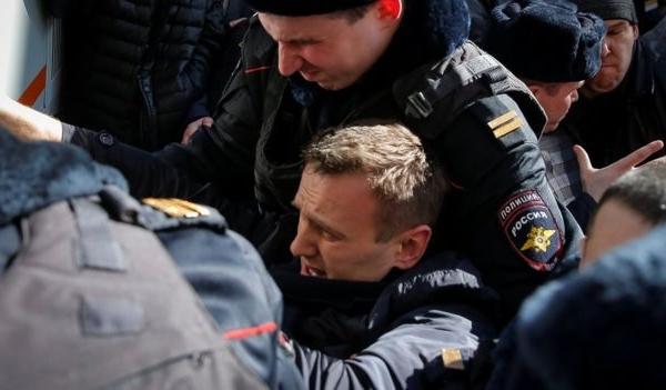 Rusiya hakimiyyəti müxalifətçiləri zindana doldurdu
