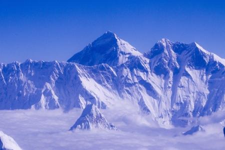 Everestdə üç alpinist həlak olub