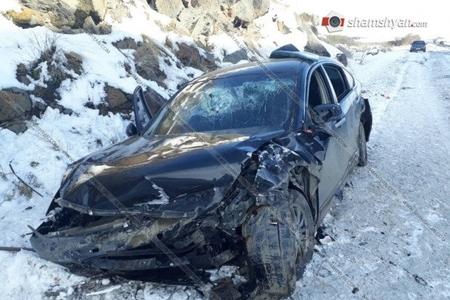 Qarabağ yolunda ağır qəzalar-16 erməni yaralandı, 1-i hərbçidir-foto