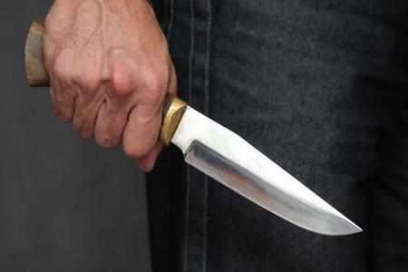 Gəncədə 24 yaşlı oğlan bıçaqlanıb