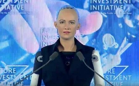 Sofiya adlı robot Əmirliklərin bilik elçisi olub