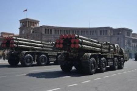 Rusiya Ermənistana 200 milyon dollarlıq silahın çatdırılmasını ləngidir