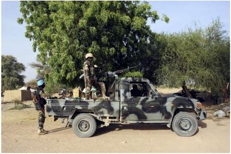 Kamerunda terrorçu qadın hərbi düşərgəyə hücum edib: ölənlər və yaralananlar var
