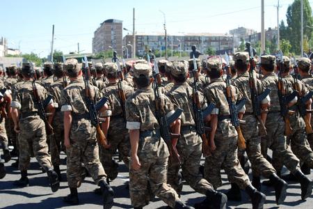 Ermənistan ordusunda əsgər çatışmazlığı - Qarabağda döyüşmək istəyənlərə 10 ...