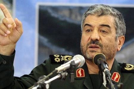 İran İsraili raketlə hədələdi