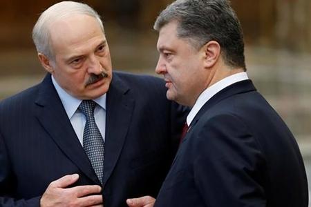 Lukaşenko və Poroşenko münasibətlərini yeni müstəviyə çıxarırlar