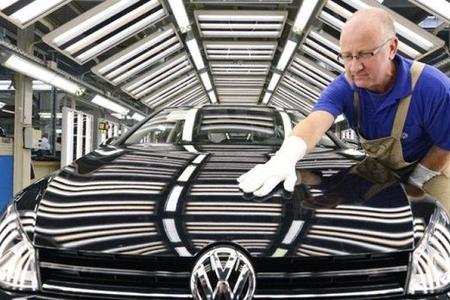 """""""Volkswagen"""" bir milyard avro cərimələnib"""