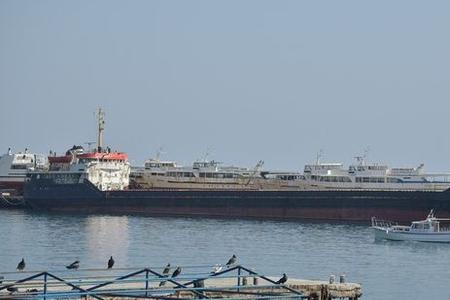 Azov dənizində içində azərbaycanlının da olduğu gəmi batmaqdan xilas edilib
