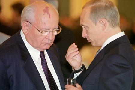 Putini Qorbaçovdan güclü edən səbəblər