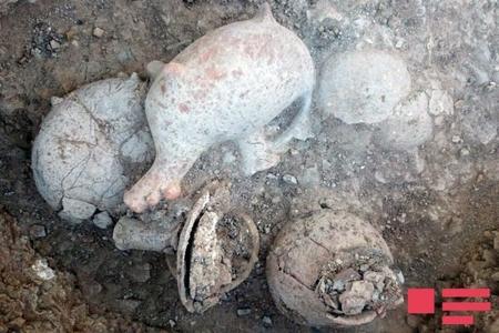 Azərbaycanda oğurlanan nadir əşyalar tapıldı