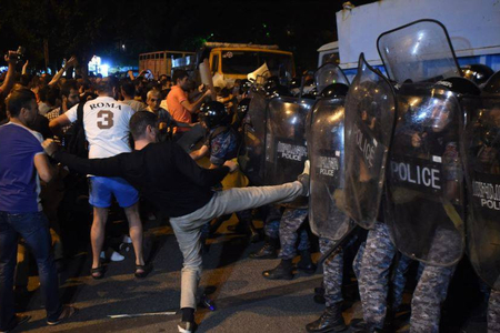 Ermənistanda etiraz aksiyası keçirilir