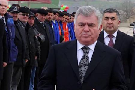Ziya Məmmədov jurnalistləri ələ salıb -