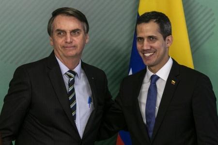 Venesuelanın prezidenti elan olunan müxalifət lideri ölkəyə qayıtmaqdan çəkinir