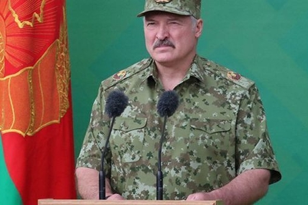 Lukaşenko müharibəyə hazırlıq barədə danışdı - VİDEO
