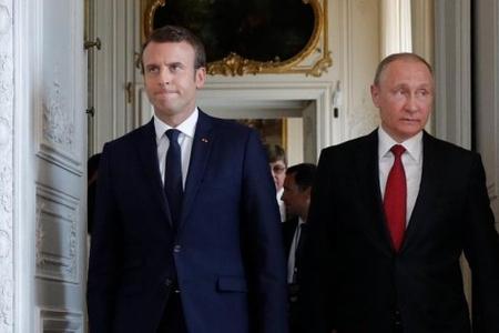 Fransa prezidenti Putinin Avropa Birliyini parçalamaq arzusundan danışdı