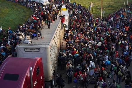 Salvador miqrantlarının daha bir karvanı Meksikaya çatıb