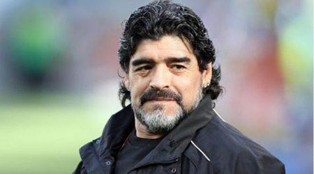 Maradona Rusiya vətəndaşı olmağı düşünür