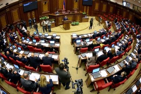 Ermənistan parlamenti Rusiyadan yeni silah kreditini təsdiqləyib