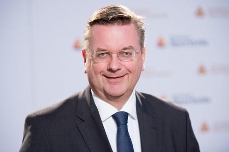 Almaniya Futbol İttifaqının prezidenti istefa verib