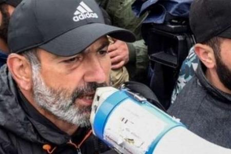 """Paşinyan Ermənistandakı sürücülərə çağırış etdi -""""Hərəkəti dayandırın!"""""""