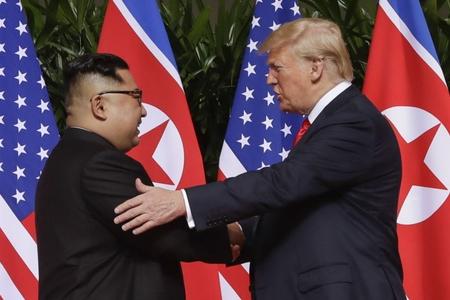 """Tramp Şimali Koreyanın ABŞ üçün """"fövqəladə hədə"""" olduğunu deyib"""