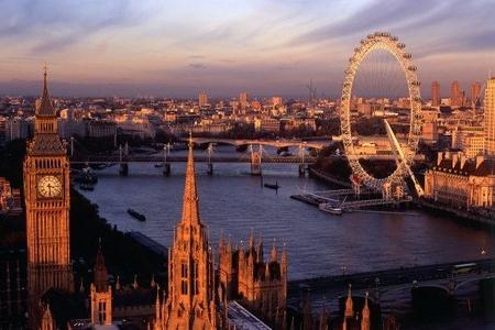 Londonda bir neçə nəfər havadakı kimyəvi maddədən zəhərlənib