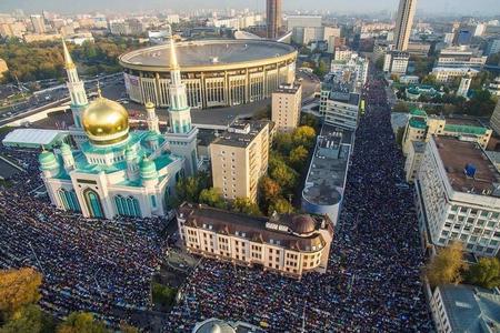 Moskvada 250 min müsəlman bayram namazı qılıb