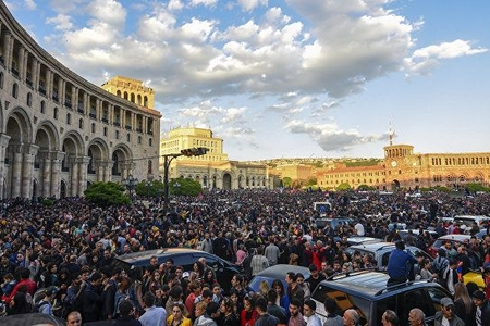 Ermənistanın hakim partiyası parlament seçkilərində iştirak edəcək