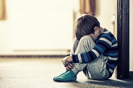 Uşaqları intihara sövq edən nədir, internet yoxsa valideyn ilgisizliyi?