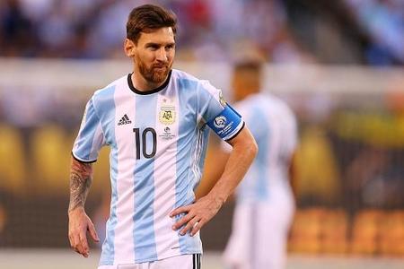 Messi milli karyerasına fasilə verir
