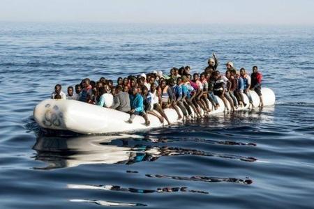 Türkiyə sahillərində gəmi batıb, 30 miqrant itkin düşüb