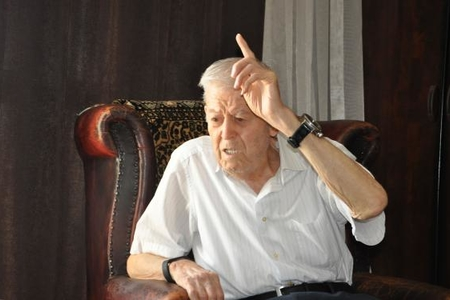 Çingiz Mustafayevin atası vəfat etdi